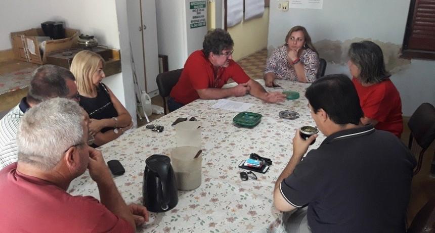 Dirigente de Fe.Tr.A y asesora legal se reúnen con autoridades y turneadora del TRA María Teresa.