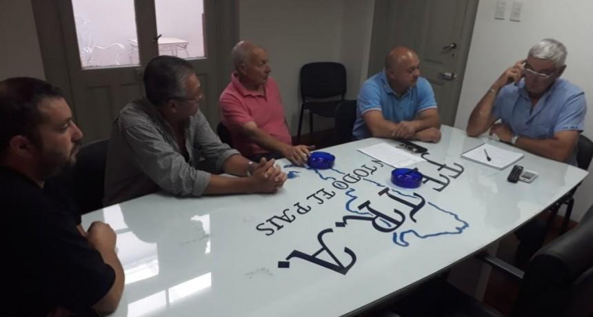 Autoridades y transportistas del TRA de Campos Salles en Fe.Tr.A