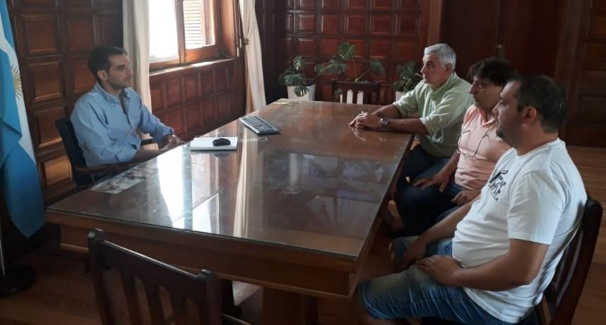 TRansportistas del TRA de Campos Salles y dirigente de Fe.Tr.A con Intendente de San Nicolas.