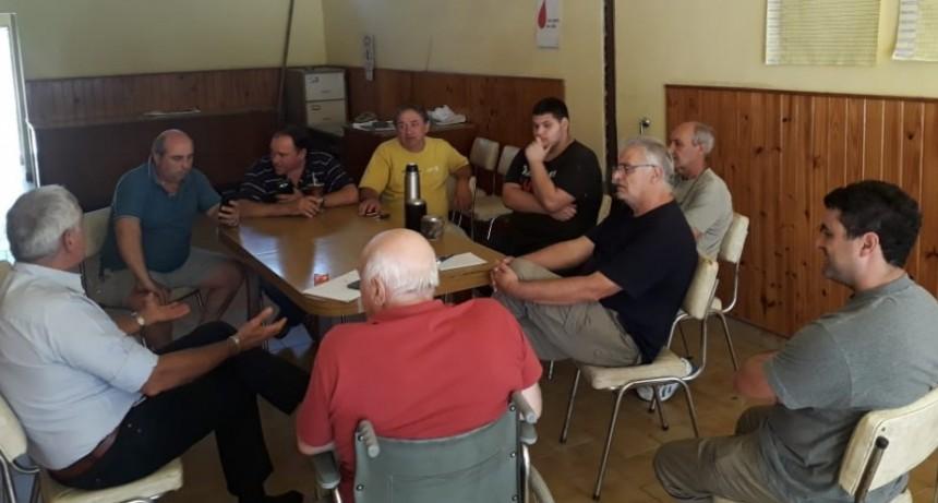 Secretario Gremial de Fe.Tr.A se reúne con directivos y transportistas de la Asociación de Chabas.