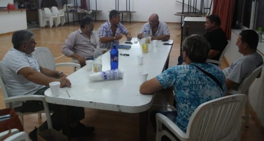 Dirigentes de Fe.Tr.A con autoridades de los centros de Totoras y Cañada de Gomez