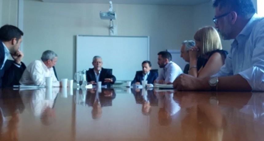 Dirigente de Fe.Tr.A con Director Nacional de Carga Carlos Alaye por Plan Cosecha Segura.