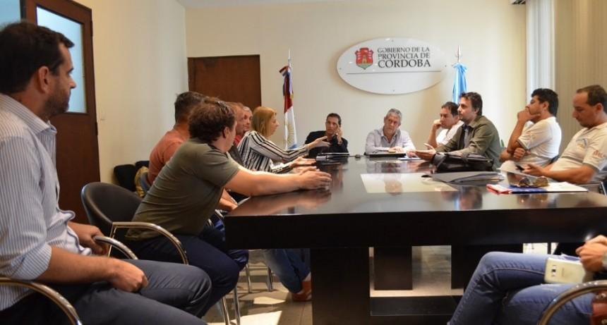 Asoc. Cruz Alta, Fe.Tr.A,  ACA y Coop con Director de Carga Prov. de Córdoba.