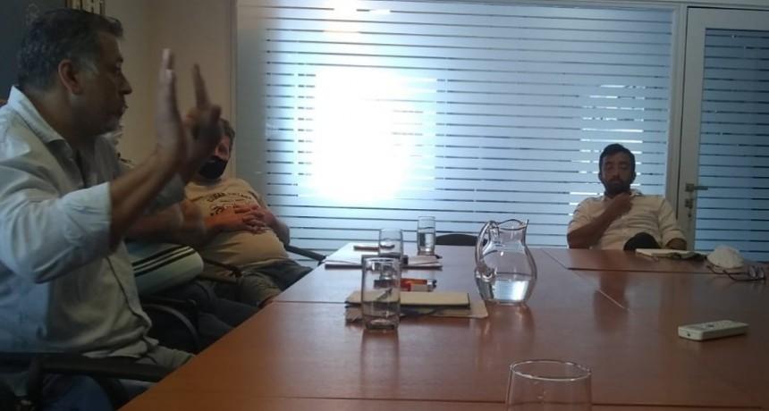 Dirigentes del TRA Sastre y de Fe.Tr.A se reúnen con directivo de Gaviglio.