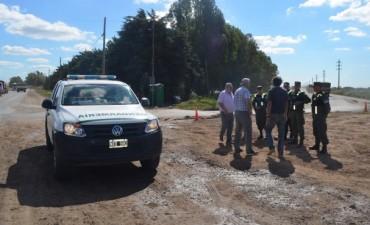 Dirigentes de Fe.Tr.A con personal de Gendarmeria en Timbues.
