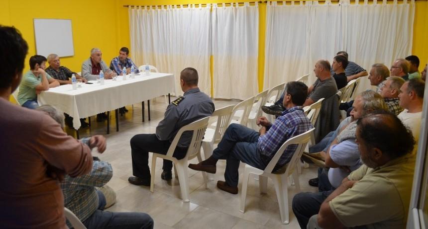 Las entidades adheridas, Fe.Tr.A y el Intendente de Bombal reciben a Productores Agropecuarios.