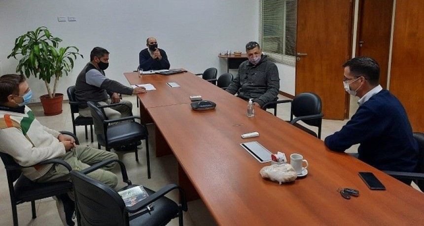 Autoridades de la Asociación de Transportistas de Rafaela y Dirigente de Fe.Tr.A se reúnen con directivos de la Coop. Guillermo Lehmann (Suc. Rafaela).