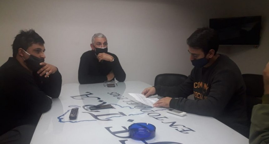 Centro de Transportistas de Ricardone/San Lorenzo junto a Fe.Tr.A se reúnen con Directivos de Compañia Arg. de Granos