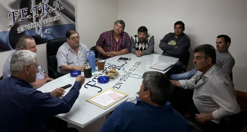 Centros de Transportistas de Uranga y Acebal en sede nacional de Fe.Tr.A.