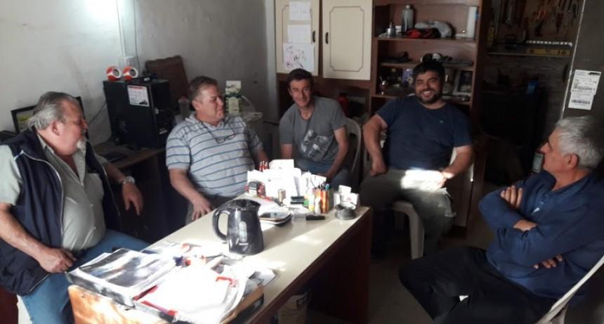 Dirigentes de Fe.Tr.A se reúnen con integrantes de la Asociación de Transportistas de Catriló.