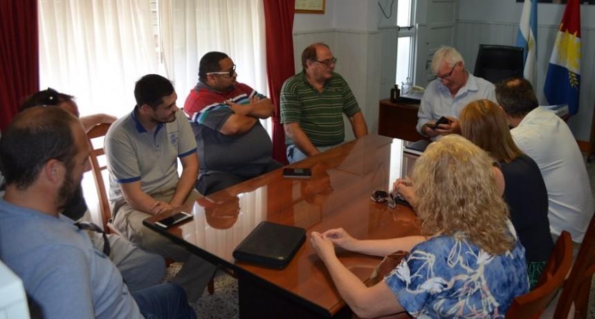 Autoridades del Centro de Humboldt junto a Dirigente de Fe.Tr.A y asesora legal, se reúnen con Intendente Sr Duilio Rohrmann  .