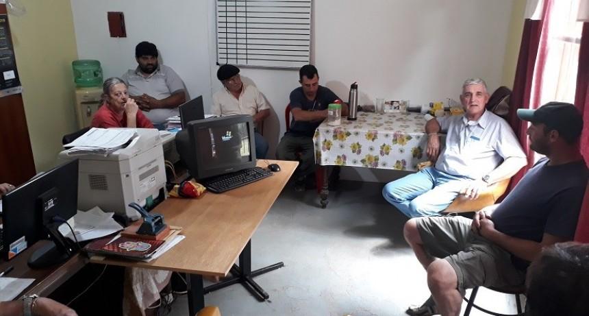 Dirigentes de Fe.Tr.A visitan la Asociación de San Eduardo.