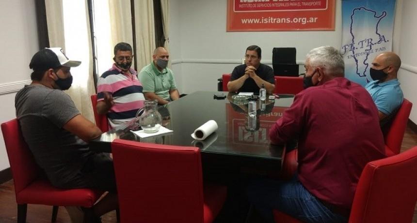 Transportistas y autoridades del Centro Ricardone / San Lorenzo se reúnen en Sede Nacional Fe.Tr.A